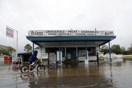 طوفان نستور فلوریدا را زیر آب برد +تصاویر