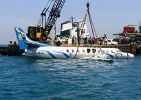 غرق کردن هواپیما و بالگرد در دریا +تصاویر