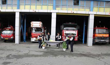 تحویل سالنو همراه با خانواده شهدای آتشنشان