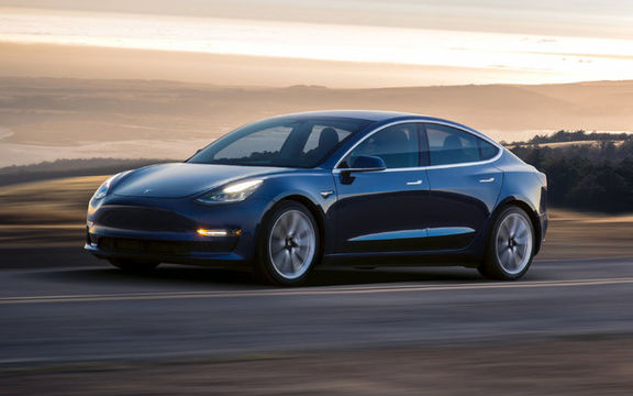 تسلا۳ پرفروشترین خودروی برقی در آمریکا