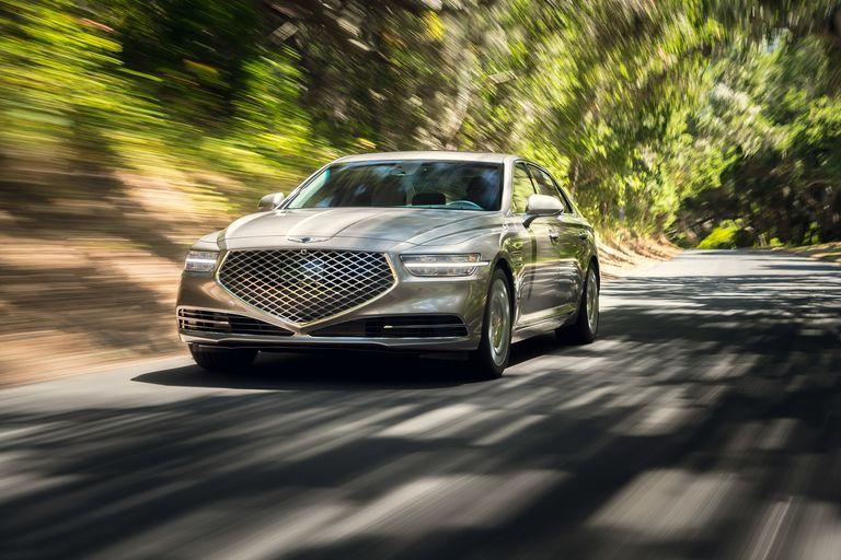 2020-genesis-g90-drive