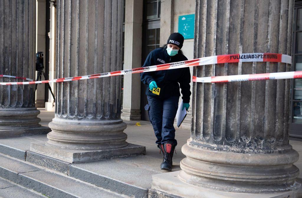پایگاه خبری آرمان اقتصادی 13 سرقت 1.2میلیون یورو جواهرات از موزه مشهور آلمان +تصاویر