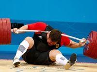 افتادن وزنه روی گردن قهرمان المپیک! +عکس