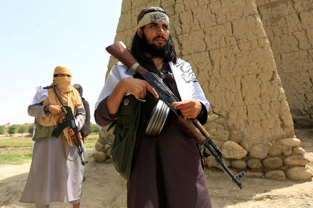 طالبان امروز ولایت نیمروز را به کنترل خود درآورده اند