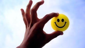 افراد شاد، چه خصوصیات رفتاری دارند؟