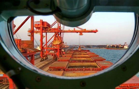 چین نرخ برخی تعرفههای آمریکا را نصف کرد
