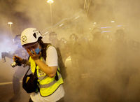 درگیری شدید  بین معترضان هنگ کنگی و پلیس +فیلم