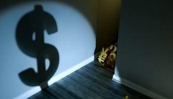امکان از بین رفتن نقش دلار به عنوان ذخیره ارزی جهانی