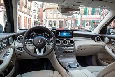 2020-Mercedes-Benz-GLC