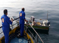 سرنشینان قایق صیادی در آبهای دریای عمان نجات یافتند