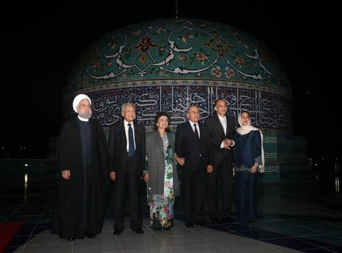 بدرقه هنری نخست وزیر مالزی از حسن روحانی +عکس
